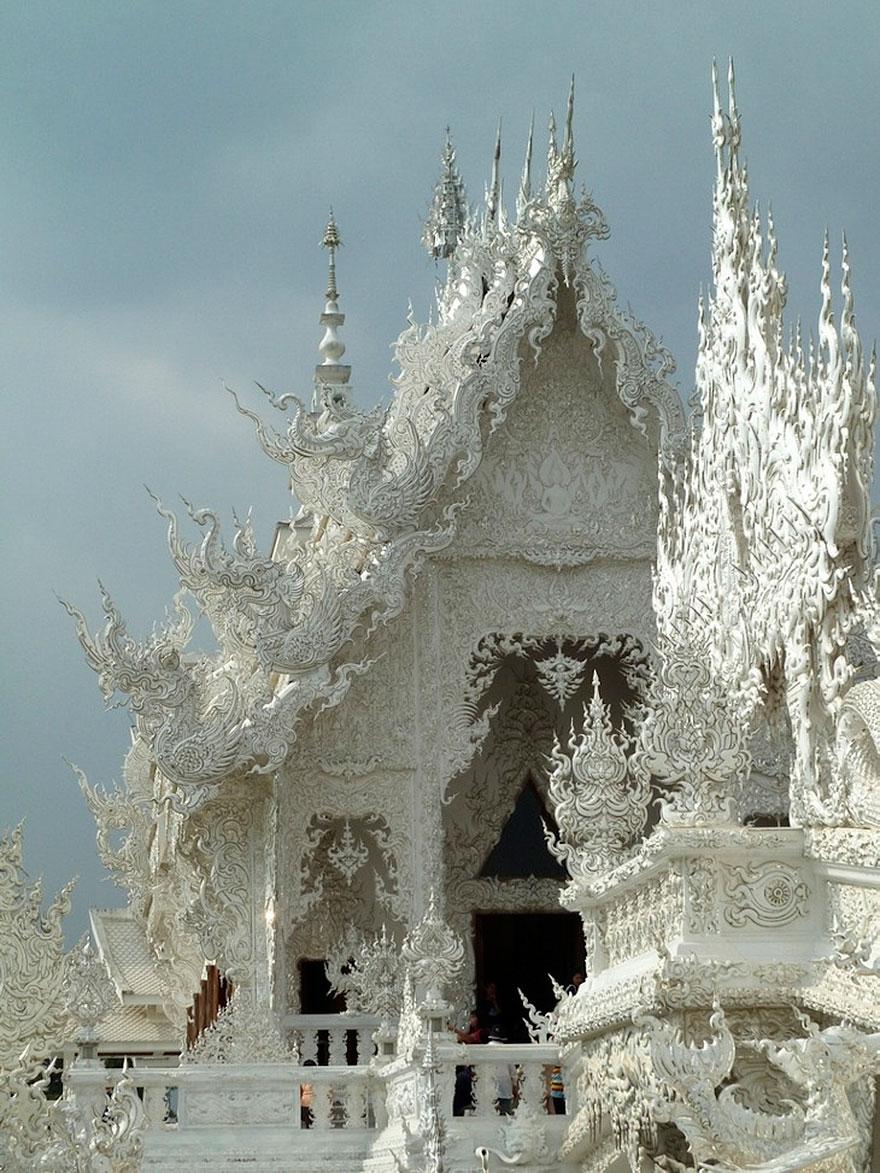 white-temple-thailand-1