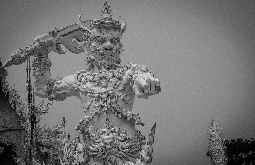 white-temple-thailand-5