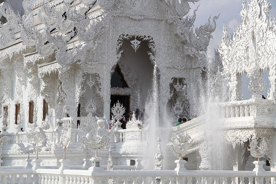 white-temple-thailand-8