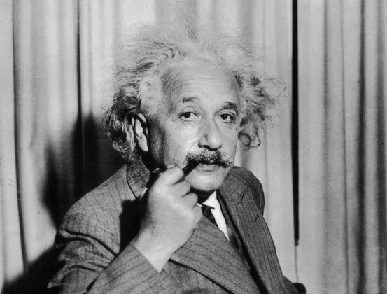 Албер Айнщайн, велик учен, учен имигрант, интереснотии